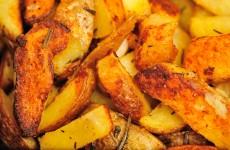 Razvan Anton - cartofi la cuptor crocanti cu rozmarin si usturoi